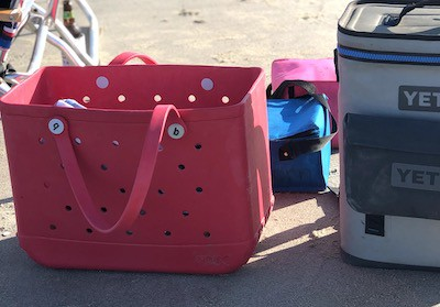 mother's day gift guide bogg bag beach bag